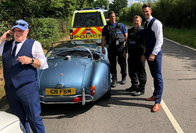 This Grooms Car Broke Down On The Way To His Wedding, So Police Came To The Rescue