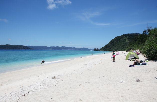 沖縄県座間味村、阿嘉島の北浜(ニシハマ)ビーチ