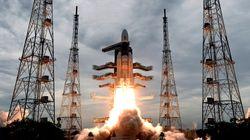 Σε τροχιά γύρω από τη Σελήνη το ινδικό διαστημόπλοιο