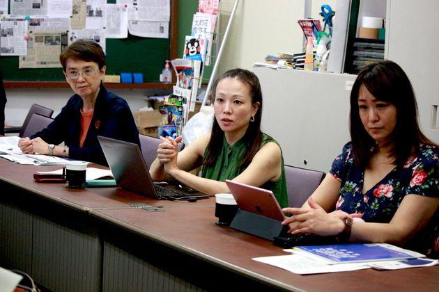 (左から)フリーランス出版関係者の労働組合「出版ネッツ」の杉村和美さん、プロフェッショナル&パラレルキャリアフリーランス協会の平田麻莉さん、日本俳優連合の森崎めぐみさん