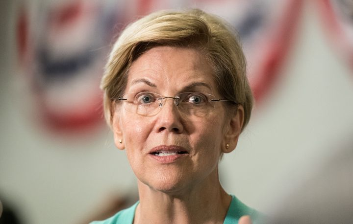Elizabeth Warren Met Her Lookalike At A Rally And People Are Doing Double Takes