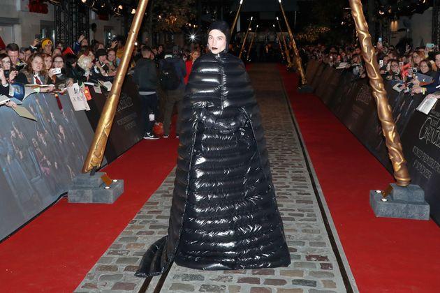 배우 에즈라 밀러는 서울에서도 화려한 스타일을