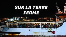 Les migrants de l'Open Arms débarquent à Lampedusa après 19 jours bloqués en