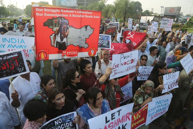 Protesters in Lahore, Pakistan rally to express solidarity with Indian