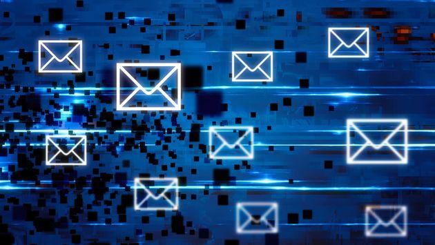 Votre email recèle beaucoup d'informations personnelles et permet ensuite de facilement...