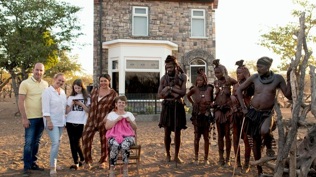 Scarlett Moffatts Home Rebuilt In Africa As Family Relocate For Bizarre Channel 4 Series
