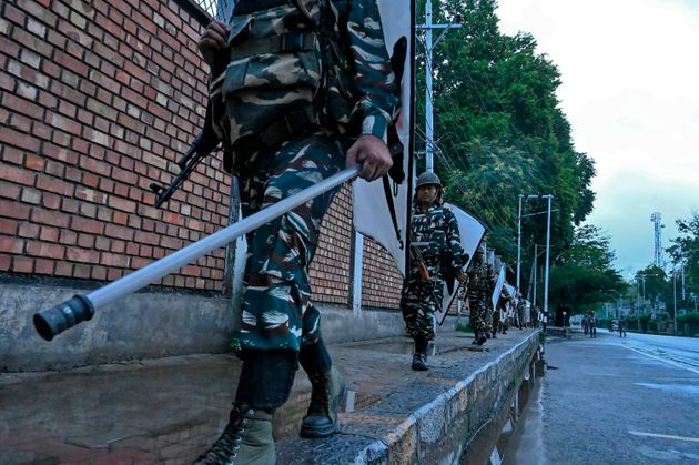 Kashmir Separatists Call For Mass March On Friday Over Scrapping Of Article 370