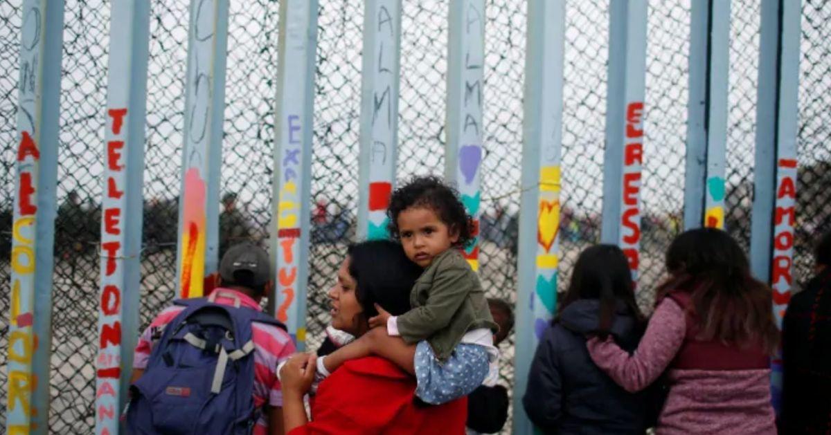 La administración Trump pretende eliminar los límites a la detención de familias inmigrantes con niños