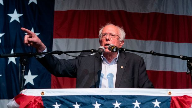 2020 Democratic presidential hopeful US Senator for Vermont Bernie Sanders speaks at the Wing Ding Dinner on August 9, 2019 in Clear Lake, Iowa. - The dinner has become a must attend for Democratic presidential hopefuls ahead of the of Iowa Caucus. (Photo by ALEX EDELMAN / AFP)        (Photo credit should read ALEX EDELMAN/AFP/Getty Images)
