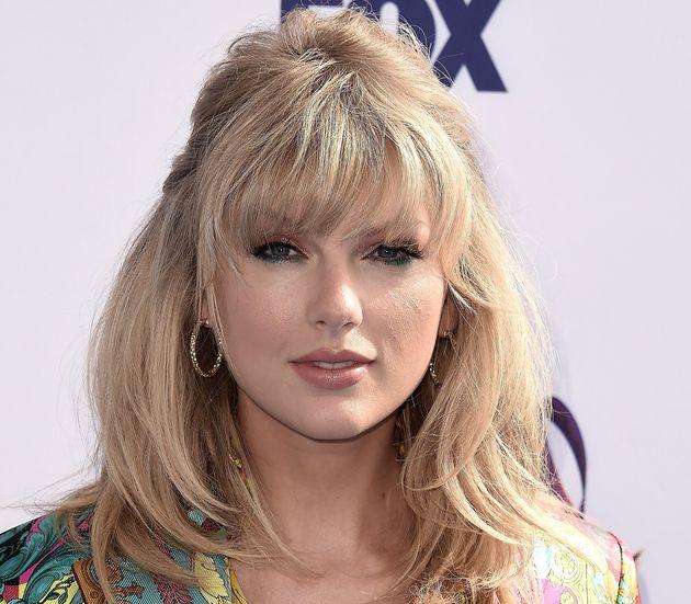 Taylor Swift lors de la cérémonie des Teen Choice Awards ce lundi 12 août avant qu'elle...