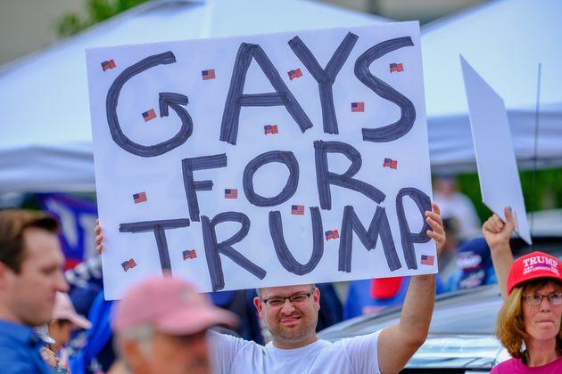 도널드 트럼프 대통령은 LGBTQ에 대한 전쟁의 수위를 높이고