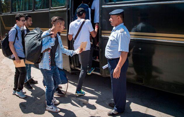 Service militaire: En images, les premiers départs des jeunes