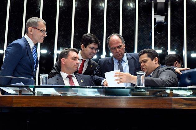 Senadores alteram regras da MP da Liberdade