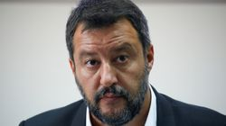 Salvini se 'raja': ofrece volver a gobernar al M5S para que no forme un Ejecutivo sin
