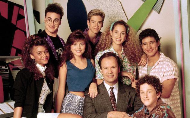 Max, Lisa, Kelly, Zack, Jessie, el señor Belding, Screech y A.C. Slater, protagonistas de 'Salvados...