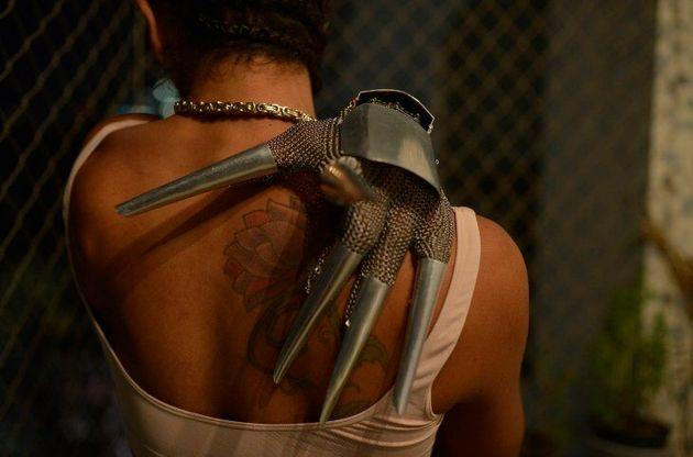 Linn da Quebrada deixouque a câmera dos cineastas filmasse as partes mais íntimas...
