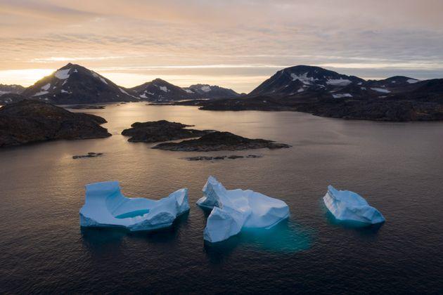 그린란드의 얼음이 빠른 속도로 녹고 있다. 전세계에 보내는
