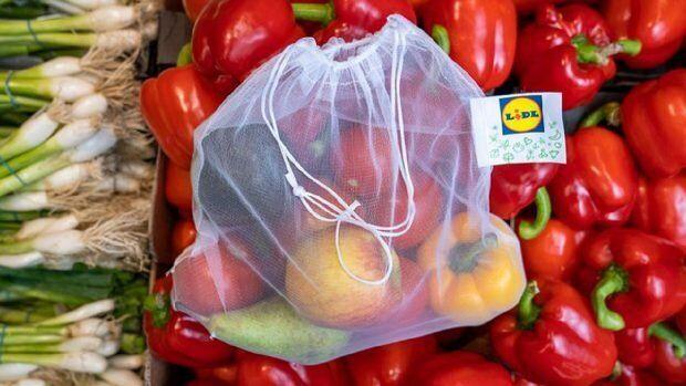 Les sacs réutilisables de Lidl coûtent 0.69 livres au Royaume-Uni.