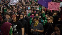Una violación cada cuatro minutos y diez asesinatos por día: por qué las mujeres mexicanas alzan la