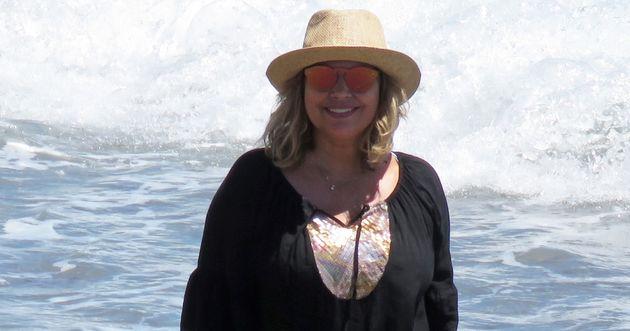 Terelu Campos sube una foto en la playa y su bañador arrasa: se ha