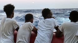 Malta autorizza lo sbarco della Ocean Viking. I 356 migranti saranno ricollocati in