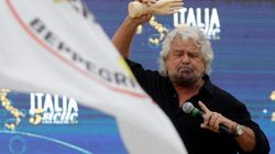Grillo si scaglia contro Renzi. E rilancia Conte: