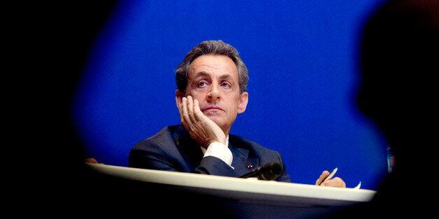 Motion de censure: Nicolas Sarkozy n'est pas favorable à la dissolution de