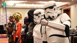 ▷New Canadians Get Sworn In With The Help Of Stormtroopers And Darth