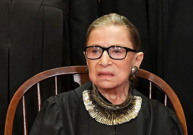 La juge Ruth Bader Ginsburg à nouveau soignée pour une