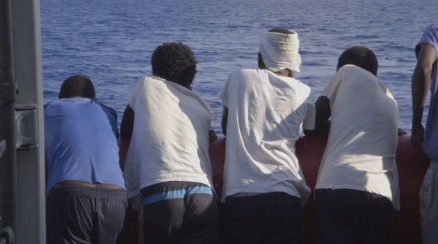 Las 356 personas rescatadas por el 'Ocean Viking' llegan a