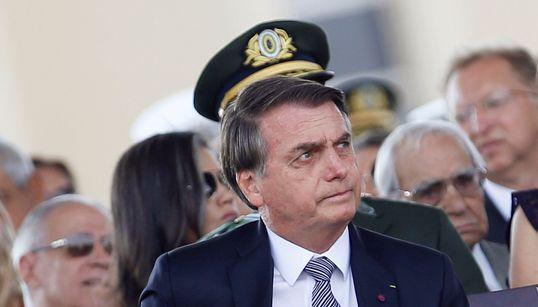 Pour lutter contre les incendies en Amazonie, Bolsonaro envoie