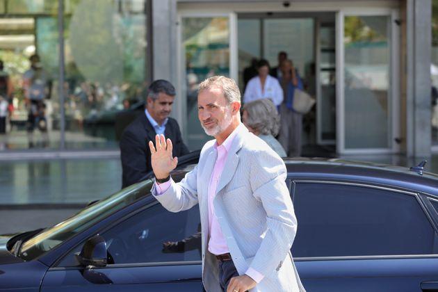 El rey Felipe VI da el primer parte sobre la operación del rey Juan Carlos