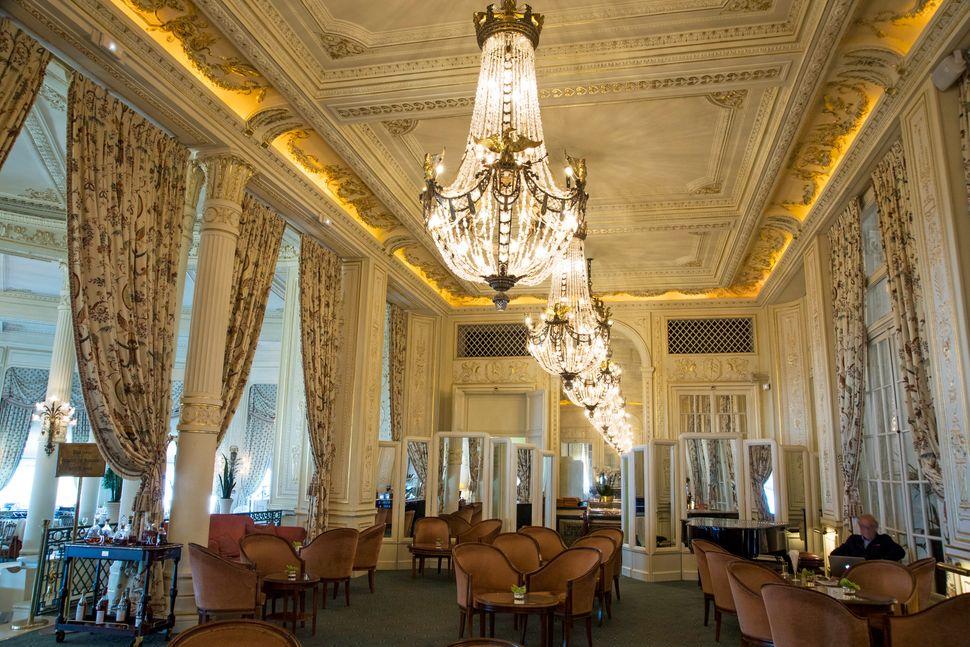 G7: Ποιό είναι το κοσμικό Μπιαρίτζ και το ιστορικό Hotel du Palais που φιλοξενεί τη Σύνοδο