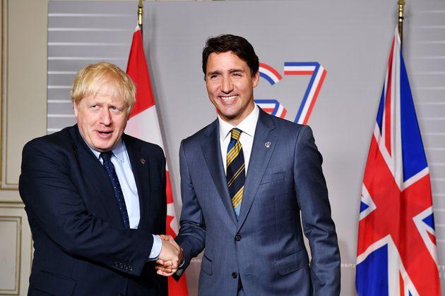 Le premier ministre britannique Boris Johnson rencontre le premier ministre canadien Justin