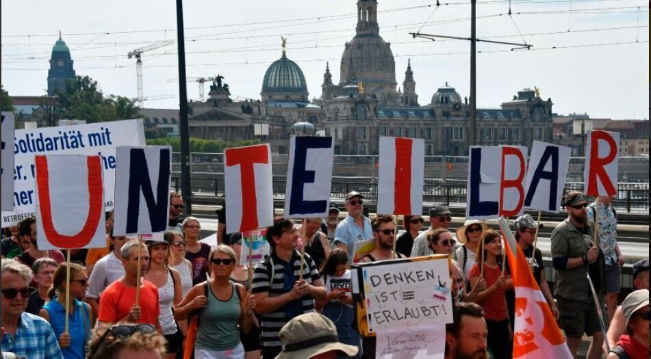 Γερμανία: 35.000 διαδηλωτές συμμετείχαν στην πορεία κατά της άκρας δεξιάς στη Δρέσδη