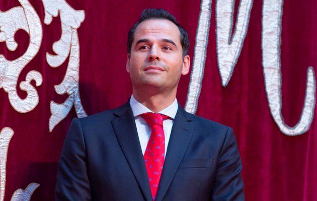 Críticas a Ignacio Aguado (Ciudadanos) por su comentario machista sobre Leire Pajín y Bibiana Aído