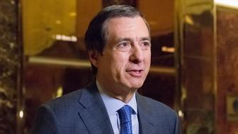 Fox News host Howard Kurtz speaks with the presss the lobby of Trump Tower in New York, NY, USA on January, 9, 2017. (Photo by Albin Lohr-Jones / Pool)*** Please Use Credit from Credit Field ***