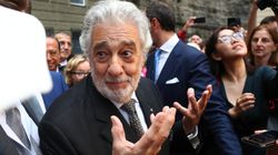 Plácido Domingo Gets Standing Ovation At