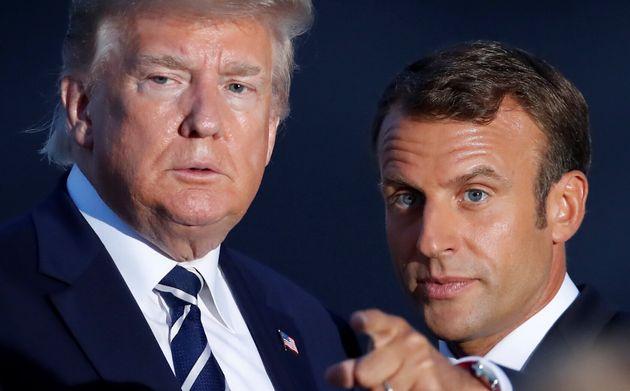 Emmanuel Macron, ici avec Donald Trump ce dimanche 25 août pour la photo de famille du G7 à...