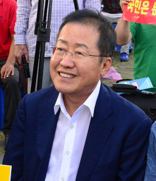 홍준표가 '조국 낙마 못시키면 정치 그만두라'며 자유한국당에 훈수를