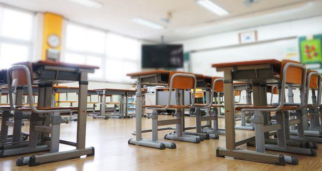 경찰이 '의자 빼기' 장난으로 상해 입은 중학생에 대한 수사에
