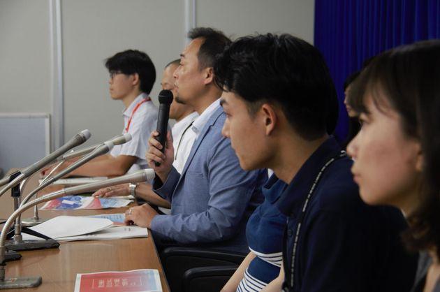 提言を公表した厚労省の若手チーム=東京都千代田区霞が関、2019年8月26日