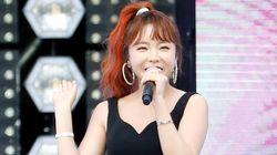 홍진영이 소속사와의 계약분쟁에 대해 다시 한 번 입장을