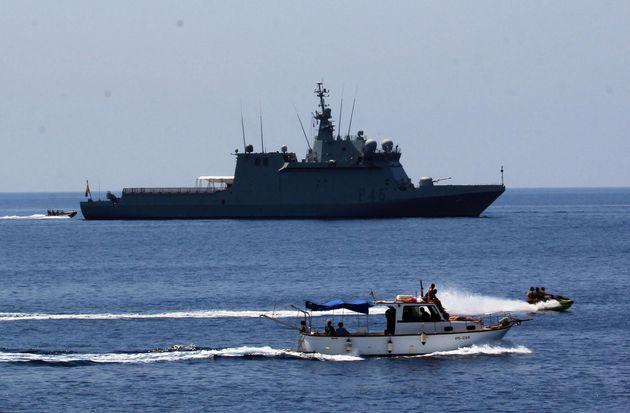 El barco 'Audaz', fondeado el sábado frente a Lampedusa