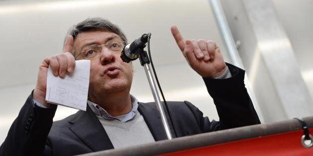 Landini è ambiguo: non si può fare politica senza lasciare il