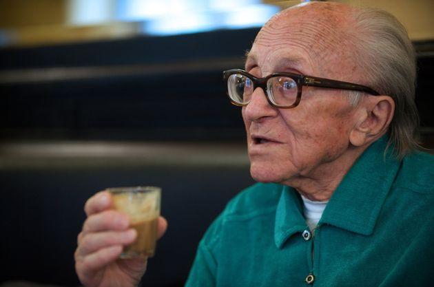 Du sucre dans le café, secret de longévité de Boris Pahor, 106 ans