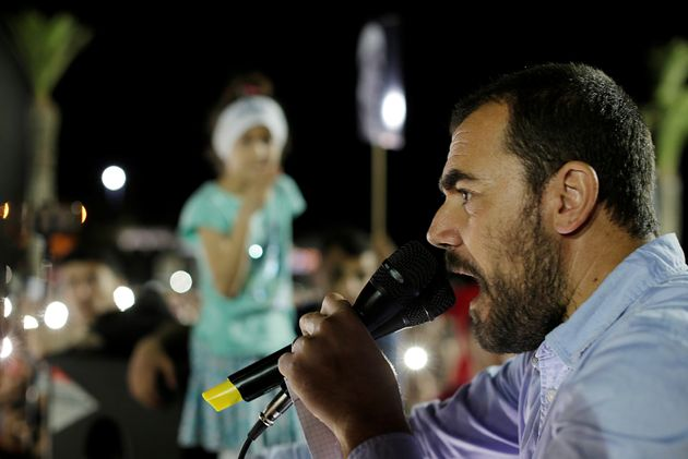 Le militant du Hirak Nasser Zefzafi donne un discours à Al Hoceima, le 18 mai