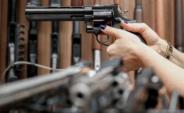 De acordo com estudo, proposta abre brecha para que pessoas condenadas em ações criminais...