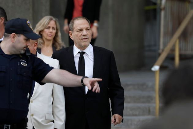 Harvey Weinstein quitte le tribunal, le lundi 26 août 2019, à New