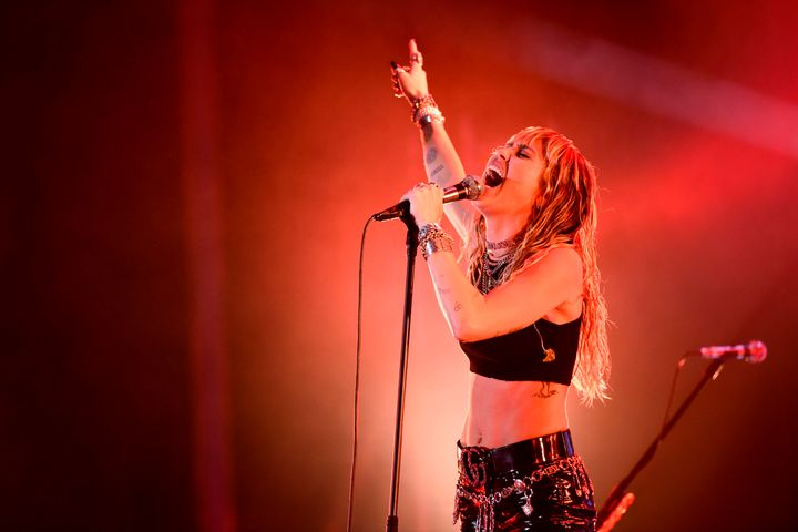 Cyrus blew the audience away on Monday night.